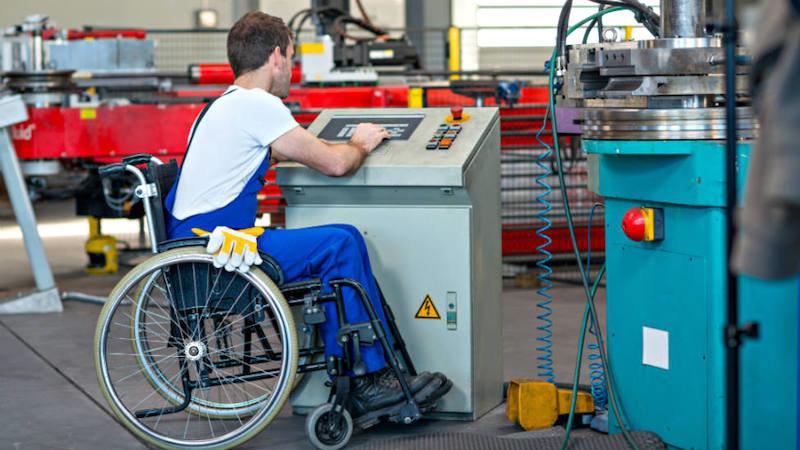 Baja un 27,5% la contratación de personas con discapacidad en CLM en este año