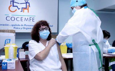 """CLM Inclusiva COCEMFE exige que las personas con discapacidad no """"queden fuera"""" de los criterios prioritarios de vacunación contra la COVID-19"""
